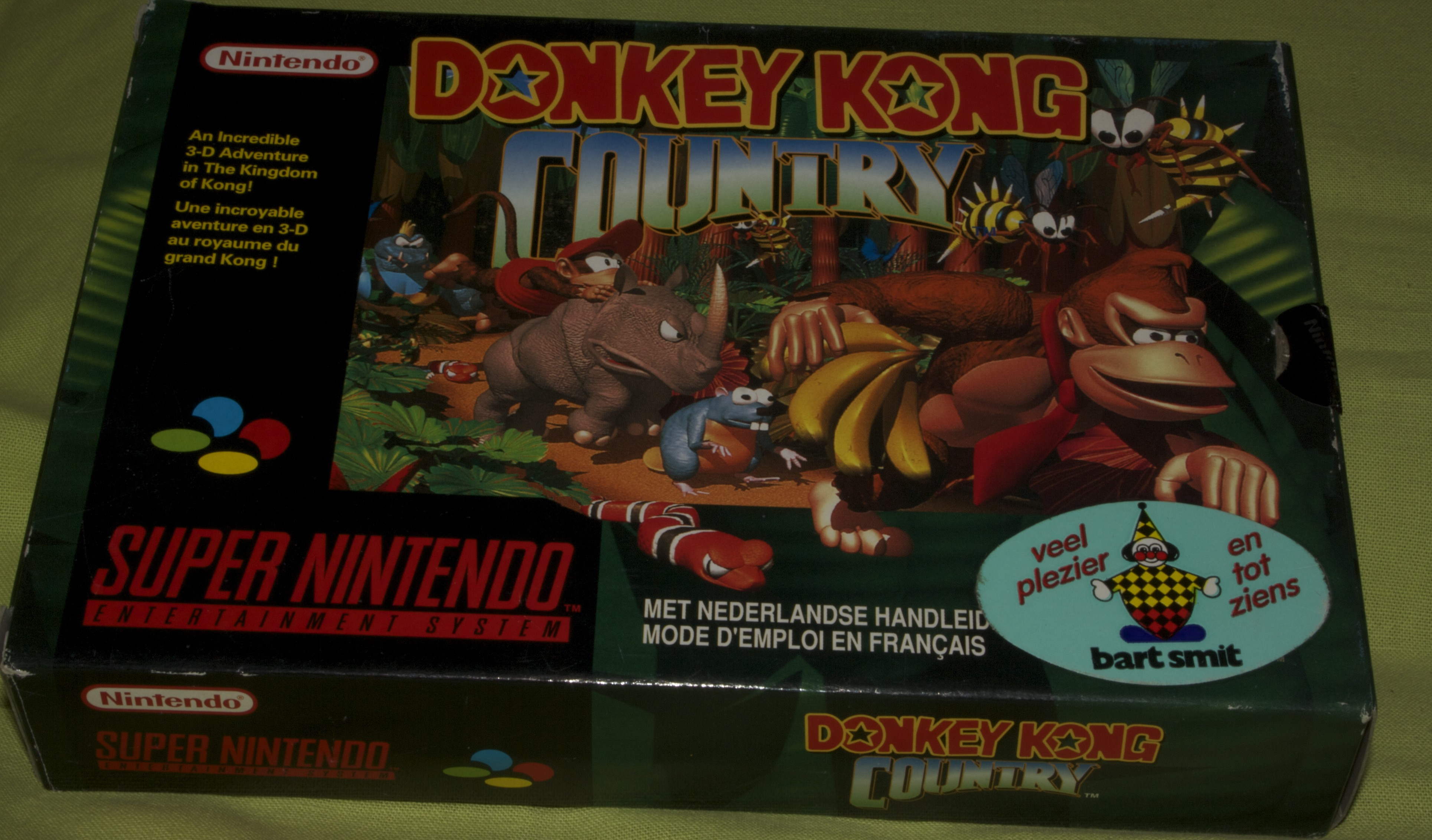 Donkey Kong Country - [Front]